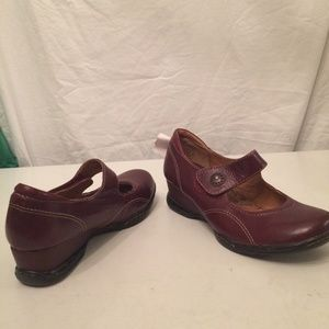 Sofft brown wedge maryjane shoes 6 NEW